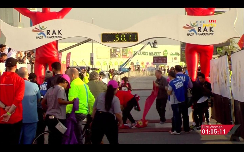 Mary Keitany mit PB in 65:13 beim RAK Halbmarathon 2017